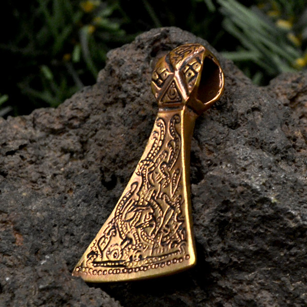 Wikinger_Amulett_Mammenaxt_Mammen-Stil_Bronze