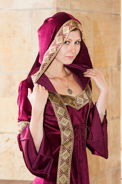 Mittelalter Kapuzenkleid Julianna