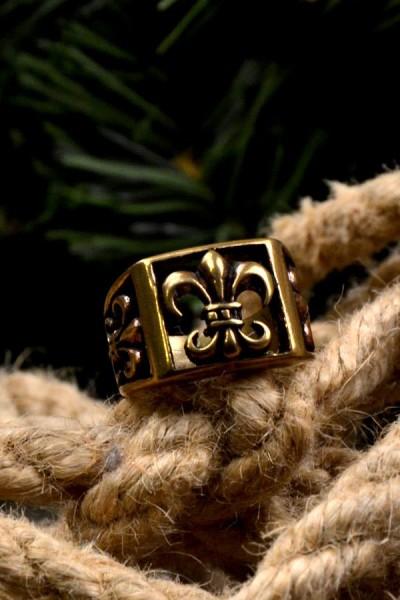 Mittelalter Ring Fleur de Lys aus Bronze