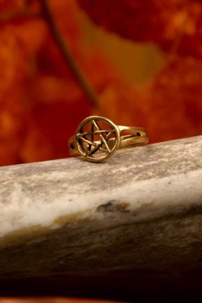 Hexen Ring mit Pentagramm aus Bronze