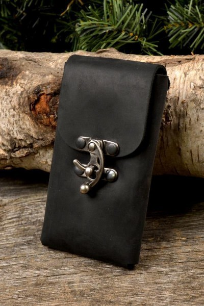 Gürteltasche für Smartphone mit Riegelhaken aus Leder