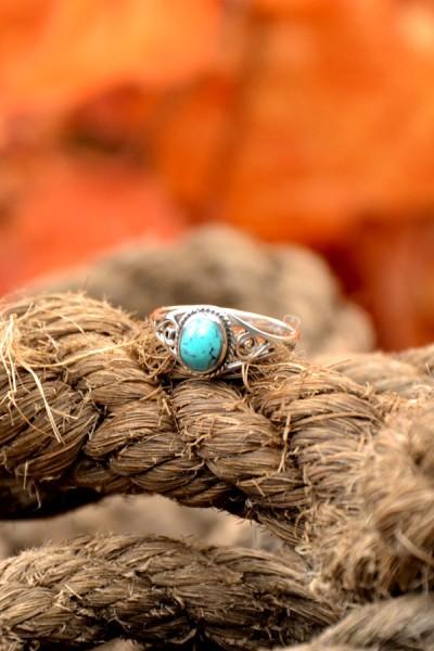 Mittelalter Ring mit Türkis aus Silber