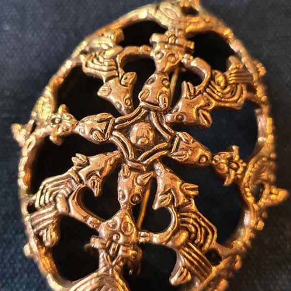 Offene_Wikinger_Schalenfibel_Oseberg-Stil_Bronze_Einzelst-ck_DetailtN0ZoC800AbIP