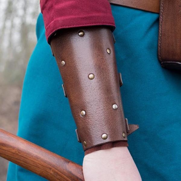 LARP Armschützer mit Nieten aus Büffelleder