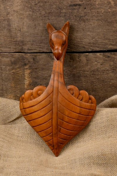 Wandschmuck Drachenboot aus Holz