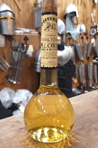 Honig Whisky in Elixierflasche