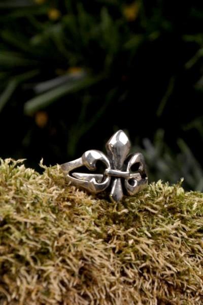 Mittelalter Ring Fleur de Lis aus Silber