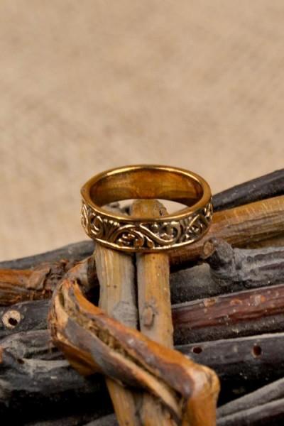 Mittelalter Ring Ornamentik aus Bronze