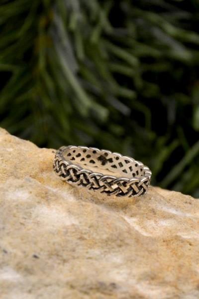 Mittelalter Ring Knotenmuster aus Silber