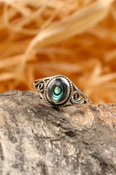 Mittelalter Ring mit Paunamuschel aus Silber