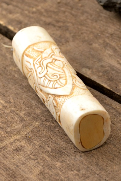 Wikinger Messergriff im Jelling-Stil aus Knochen - handgeschnitzt