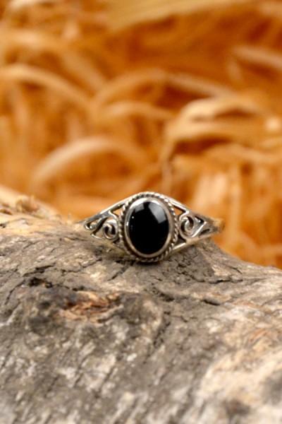 Mittelalter Ring mit Onyx aus Silber
